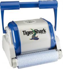 robot tiger shark qc brosses picots avec chariot. Black Bedroom Furniture Sets. Home Design Ideas